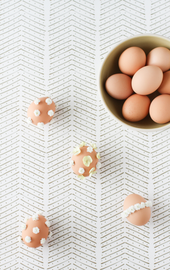 Baby's Breath Easter Egg DIY