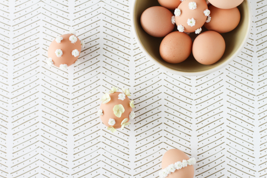 Decorate Eggs with Fresh Flowers