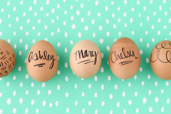 DIY Nameplate Easter Eggs