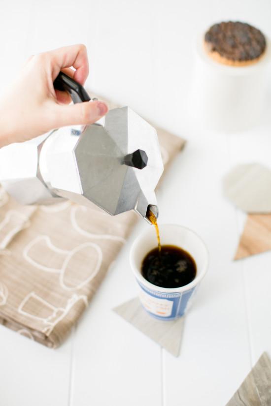 DIY Geometric Coasters Made of Linoleum Tile Samples