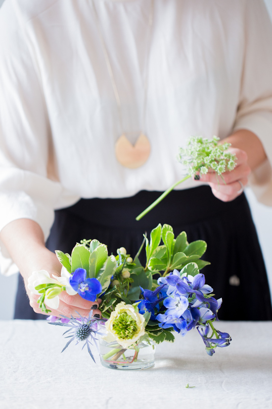 How to Create a Freeform Floral Centerpiece Without a Flower Frog