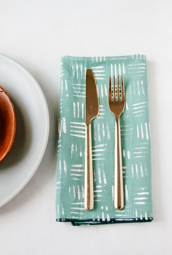 DIY Stamped Napkins // Fork Pattern