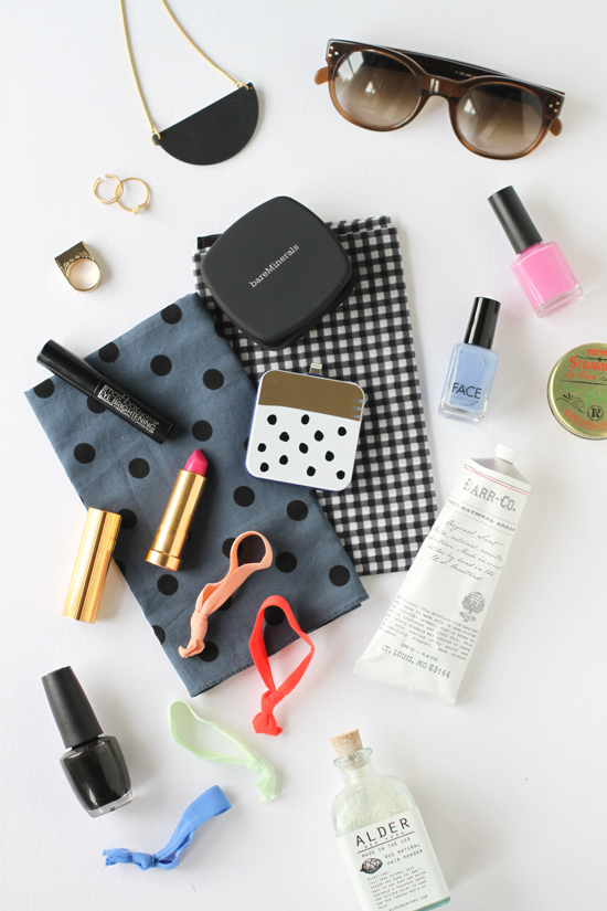 What's in your bag? Beauty products, jewelry, etc