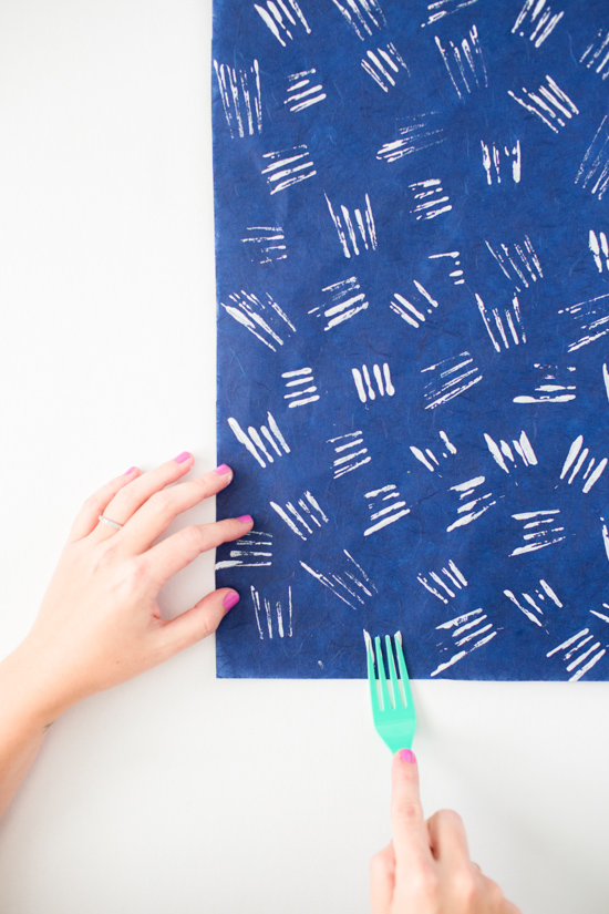 DIY Holiday Gift Wrap // Using a Plastic Fork