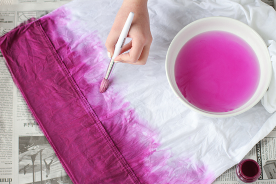 DIY Dip-Dyed Pillowcases
