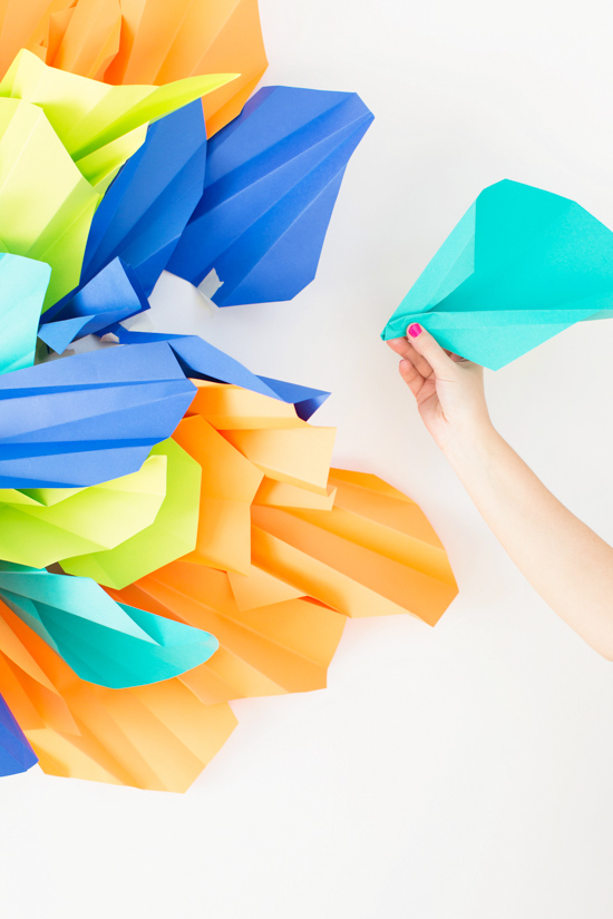 How to make an awesome photo booth backdrop with paper