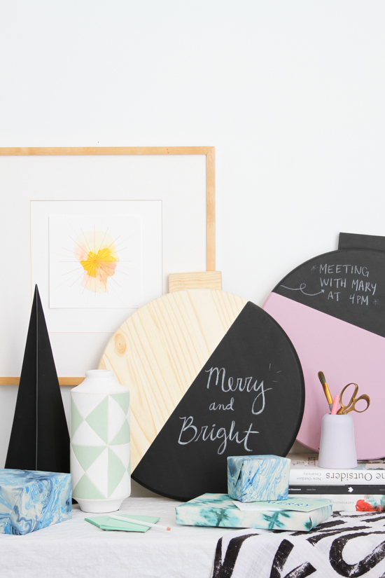 Holiday DIY // Giant Color Blocked Wall Ornament Message Board