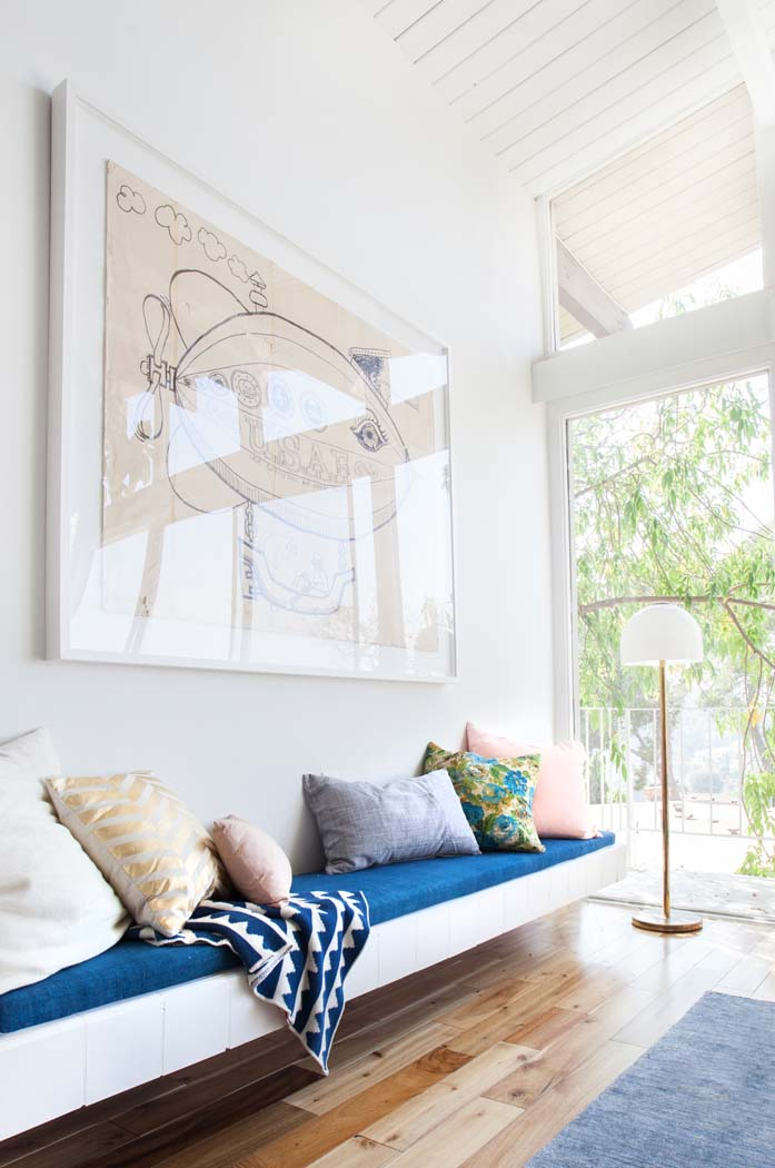 Love the pop of cobalt Interior Obsessions
