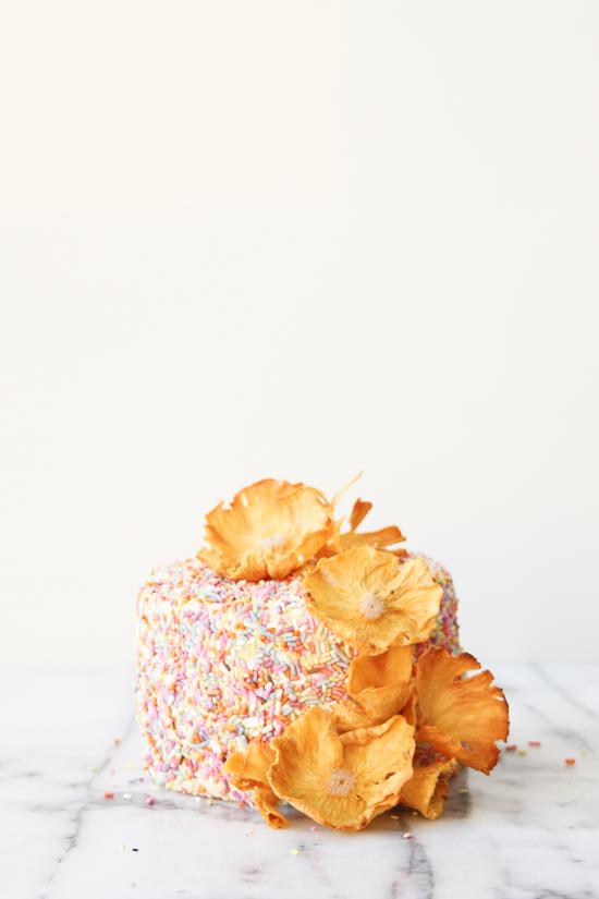 DIY // Pineapple Flower Cake Toppers