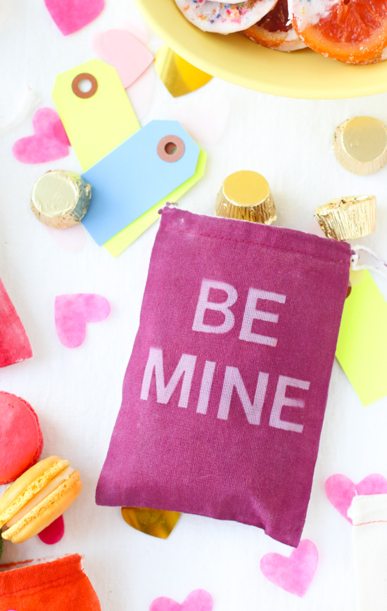 DIY // Typographic V-Day Favor Bags