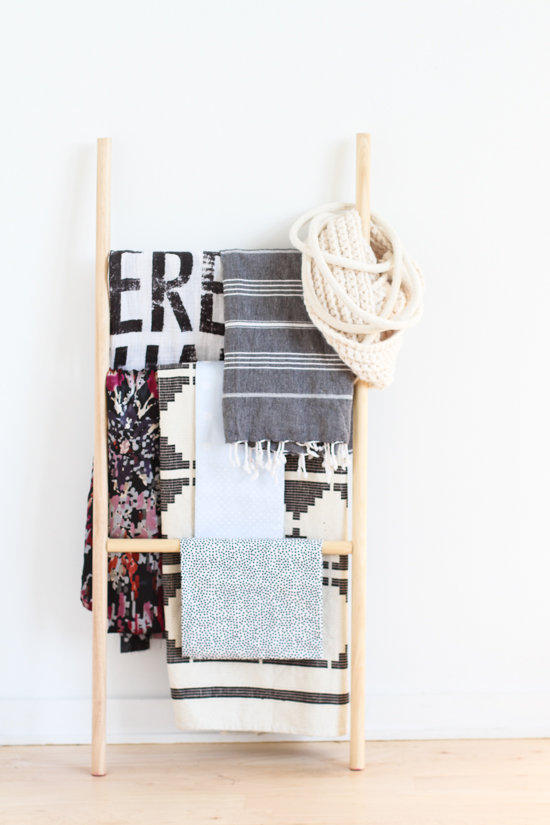 How to Make the Easiest DIY Blanket Ladder (Without Nails or a Hammer)