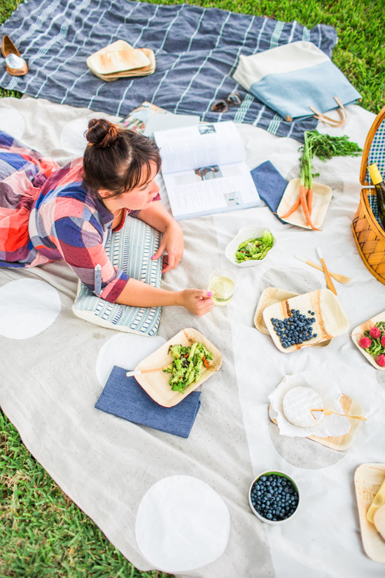 Spring Picnic + DIY Blanket Idea