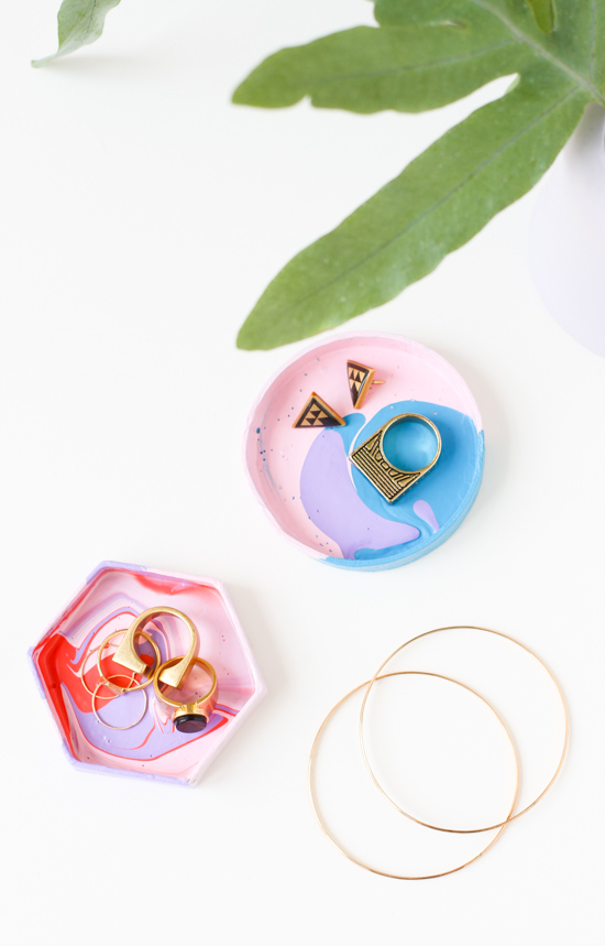 5 Minute DIY // How to Make a Jewelry Dish with a Box Lid