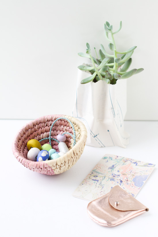 DIY Dip Dyed Woven Baskets in 10 Minutes