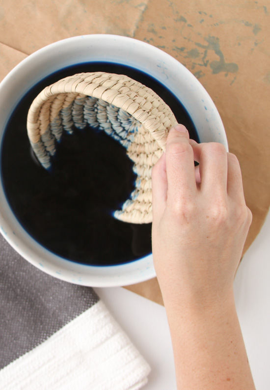 How to dip dye woven baskets in 10 minutes or less.