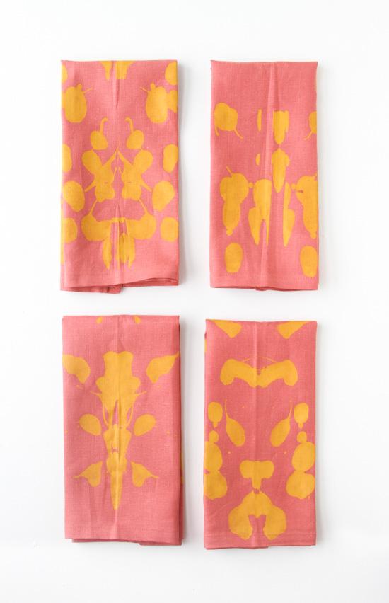 5 Minute DIY // How to Make Inkblot Fabric Napkins