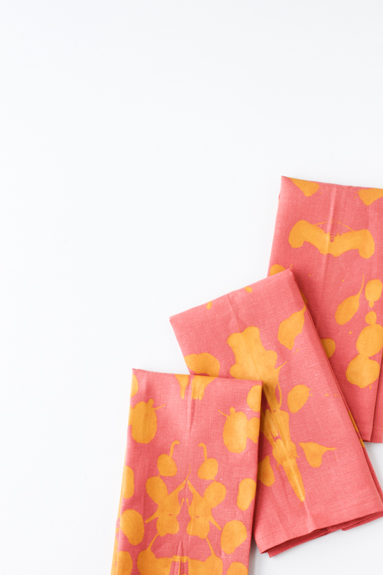 21 Budget-Friendly Mother's Day DIYs to Try Before Sunday // Idea No 17: Inkblot Napkins Set