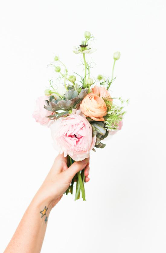 DIY ranunculus and succulents bouquet