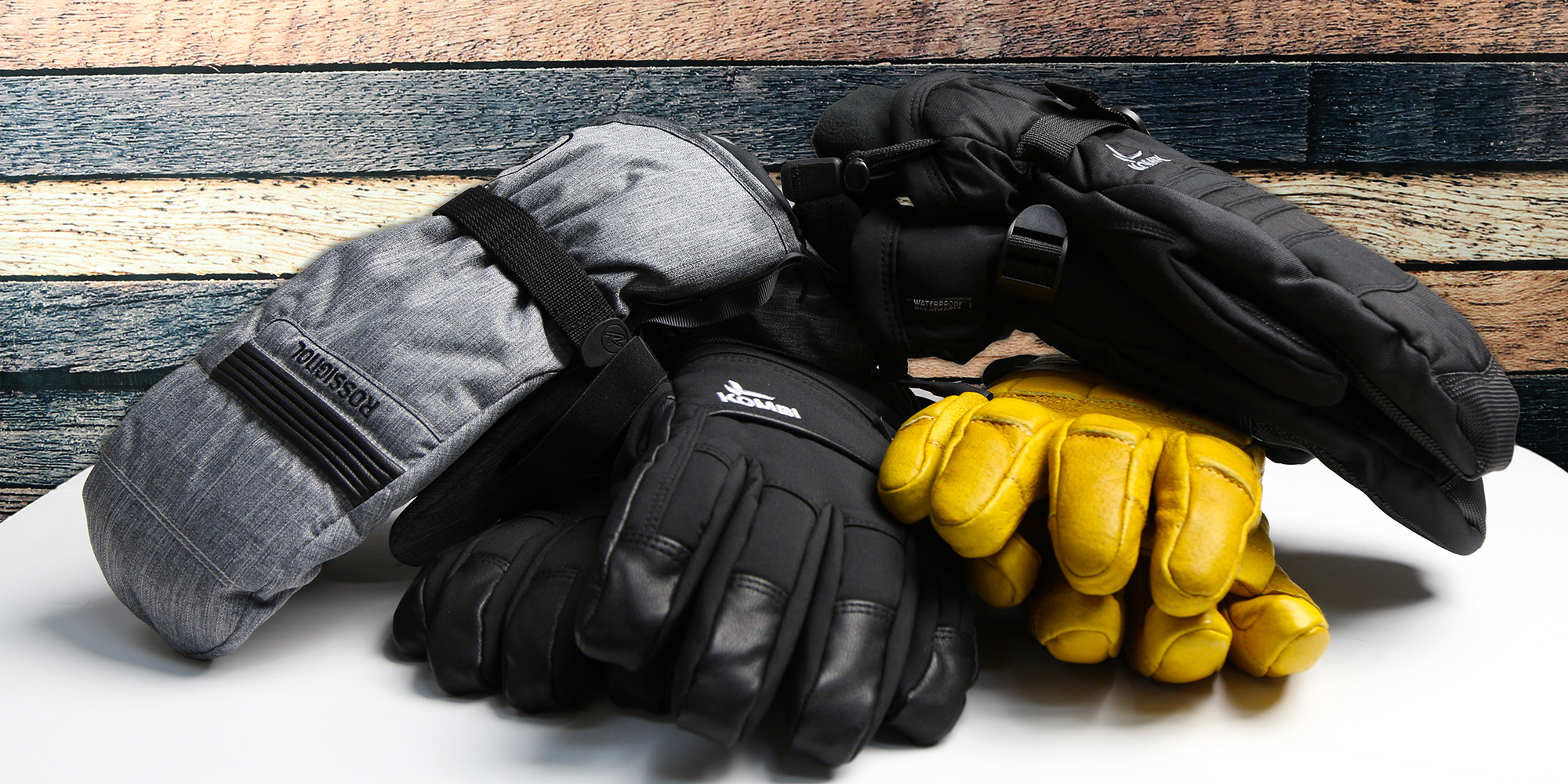 choosing ski gloves