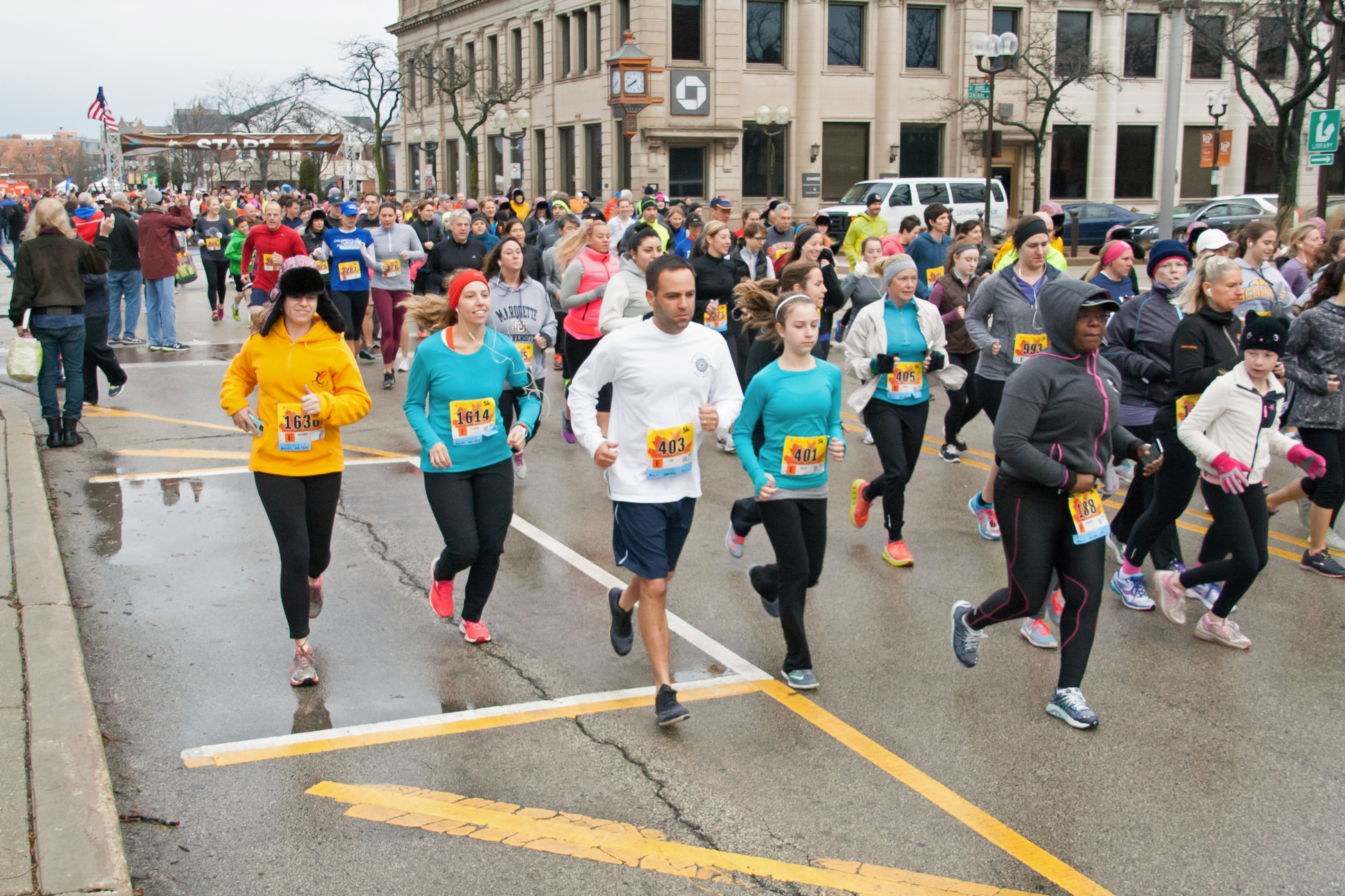 North Shore Turkey Trot Race Day Runners