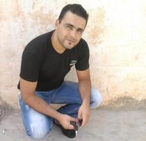 Kabyle de bouira , 28 ans, informaticien, bon vivant, ayant le sens de