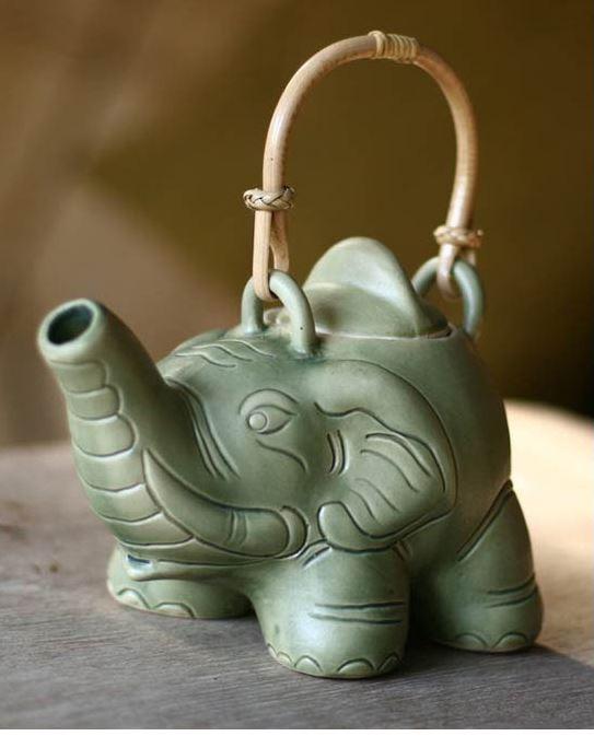 Elephant Teapot by Putu Oka Mahendra