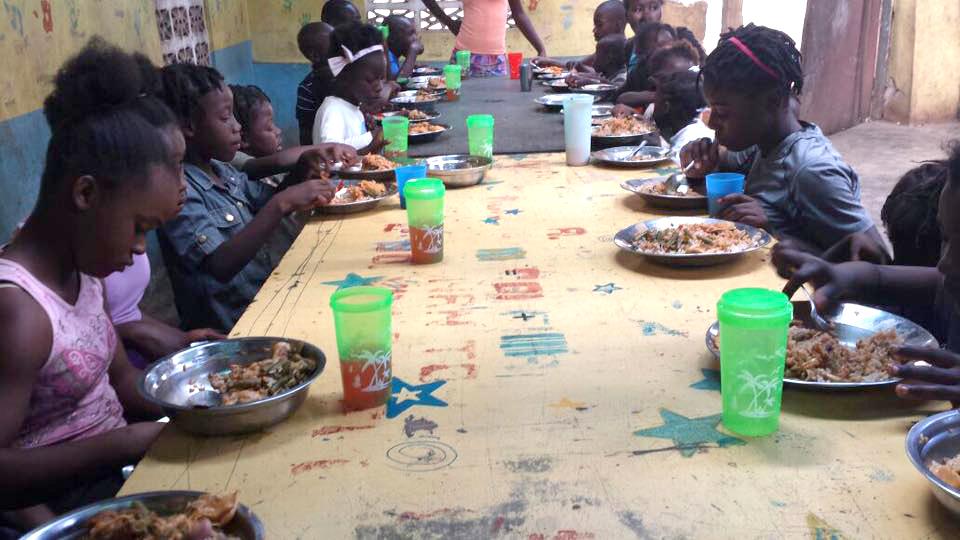 Feeding_Children.jpg