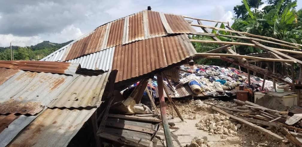 Praying_for_Haiti_2.jpg