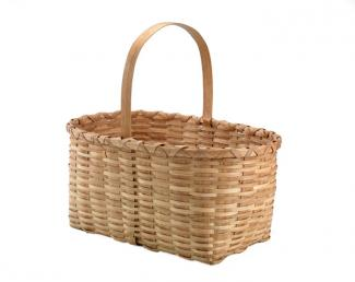 A basket that has a rectangular base with a handle.