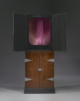 An image of a clavilux junior made in 1930, which helped Thomas Wilfred create art with light.