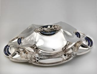 A photo of Vitali's silver tureen.