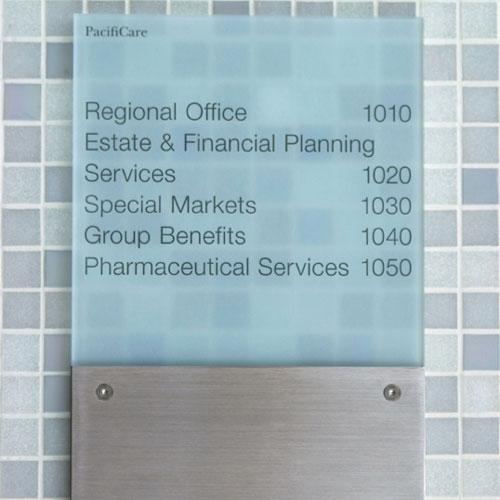 Silenzio Uno / Interior System signage