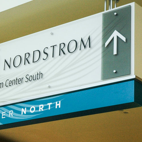 Salem Center Mall signage