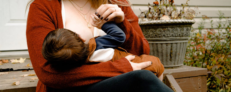 Breastfeed or Formula