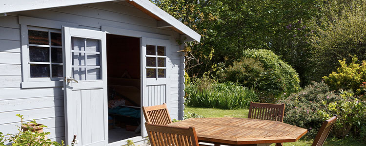 know if decks, sheds, and other structures are covered by a homeowners insurance