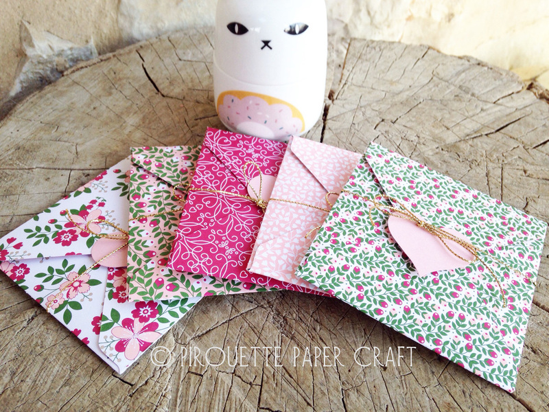 Gift paper holders