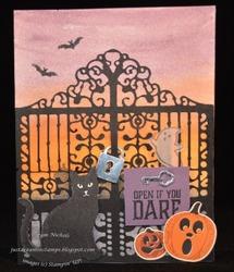 Halloween_gate
