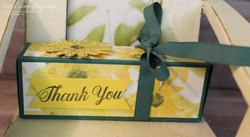 Delightful_daisy_box_1a