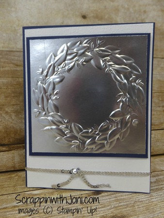 Wreath_in_silver_and_night_of_navy