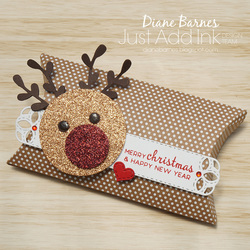 181218 reindeer pillow box jai 439 3
