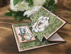 Reverse_easel_fold_magnolia