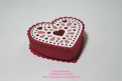 Valentine_treat_packaging_mini_heart_box
