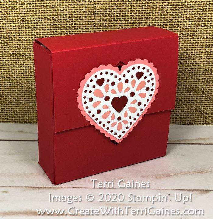 Box_with_sliding_closure_by_terri_gaines___1