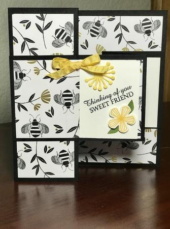 Z fold bee card