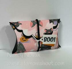 Pretty pillow box halloween