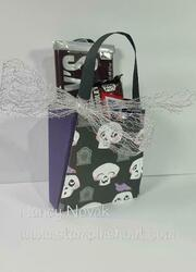 Halloween tote for full size candy