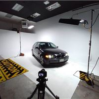 680 Sq Ft. Cyclorama + Savage Rolls & Green Screen - Studio 42