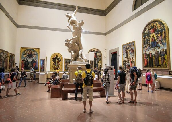 picture for Florence Walking Tour + Accademia Gallery Skip-the-line Ticket with mobile-guided Tour