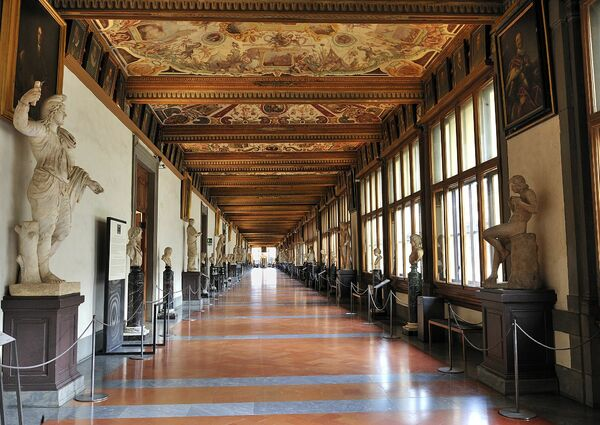 picture for Florence Walking Tour + Uffizi Gallery Skip-the-line Ticket with mobile-guided Tour