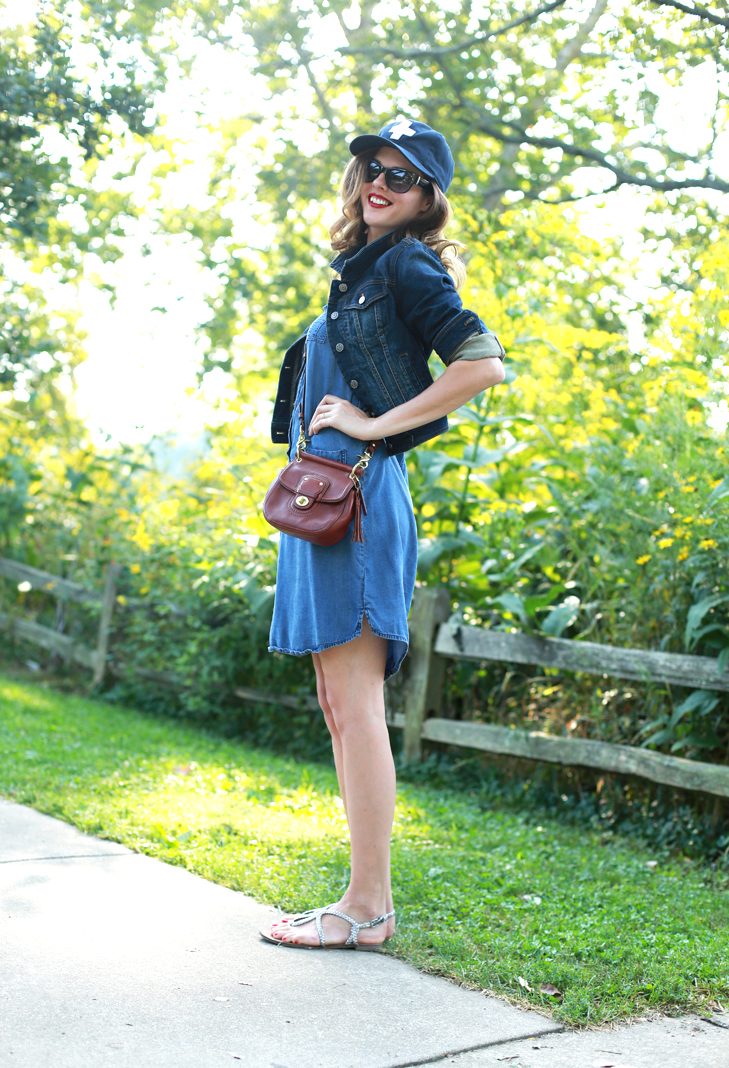 How to fit a baseball cap into your everyday style, Denim on Denim, How to Glam up a Baseball Hat, Making your lip color pop, Weekend Outfit Idea, After work outfit idea